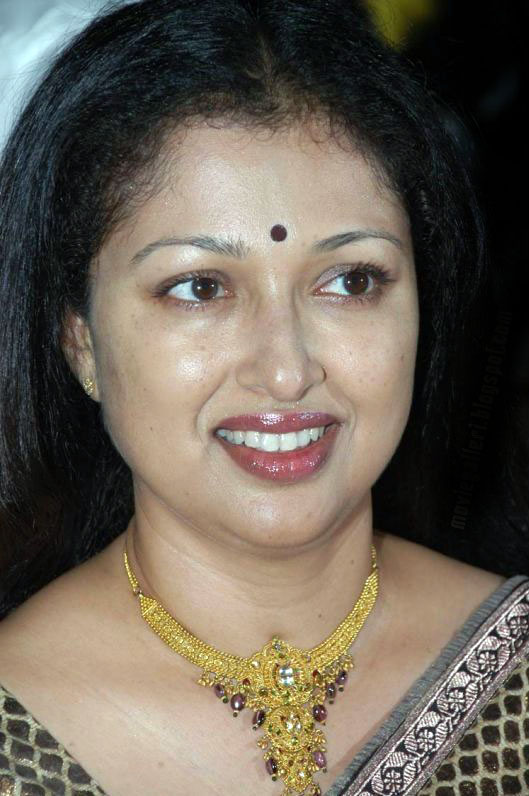 Actress Hot Photos,Wallpapers,Biography,Filmography Tamil Old Actress Gowthami Cute