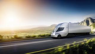 Elon Musk Tesla Semi Elektrikli Çekeri Tanıttı