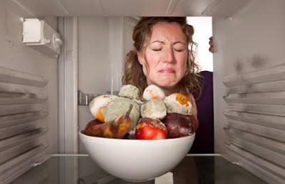 Mẹo khử mùi tủ lạnh đơn giản mà hiệu quả bạn nên biết