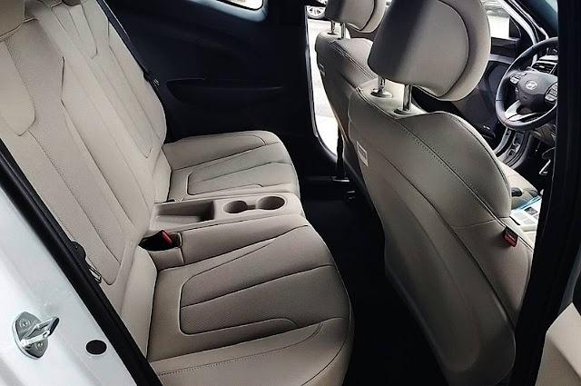 2020-hyundai-veloster-turbo-ultimate-seats-and-interior