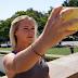 7 μυστικά για να βγάζετε τις πιο ωραίες selfie