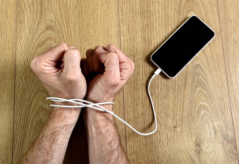 نصائح للتخلص من إدمان الهواتف الذكية