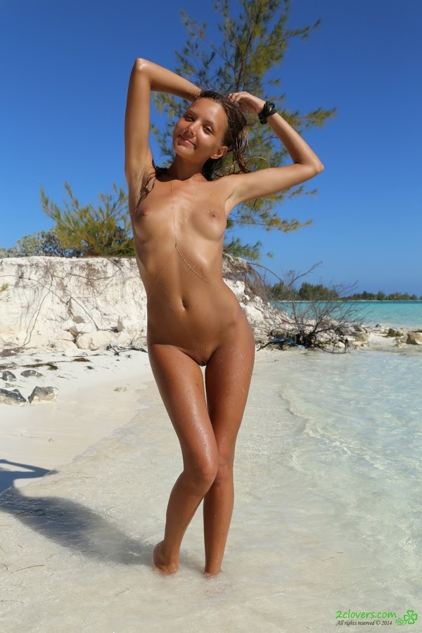 [2Clovers.Com] Clover - Exploring Caribbean