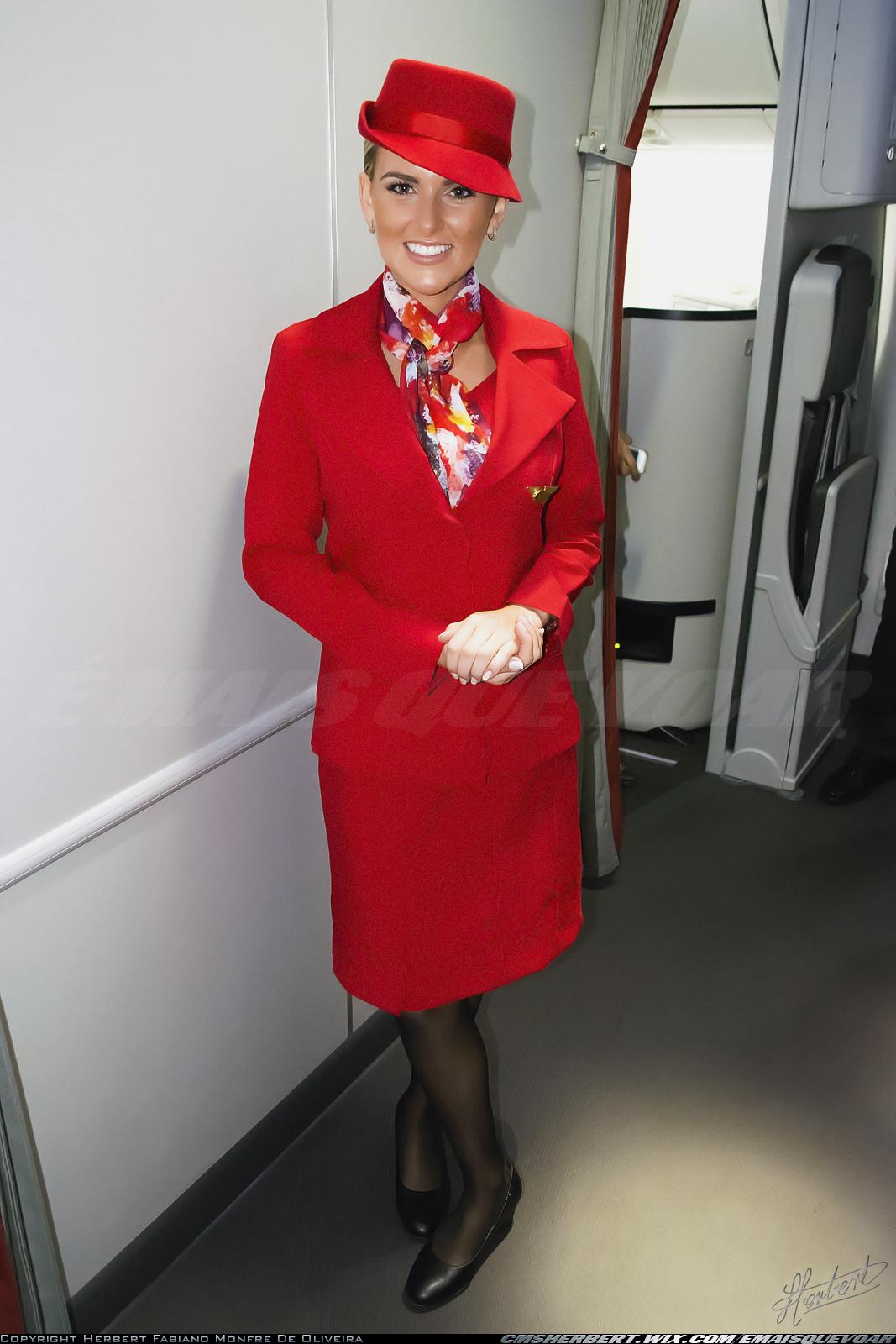 Conheça o novo uniforme da Avianca Brasil 7c375def37a