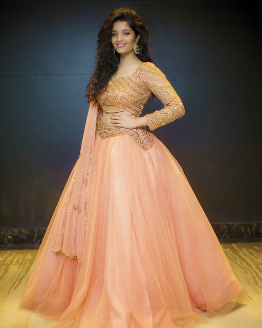 Ritika Singh (Indian Actress) Wiki, Age, Height, Boyfriend, Family, and More