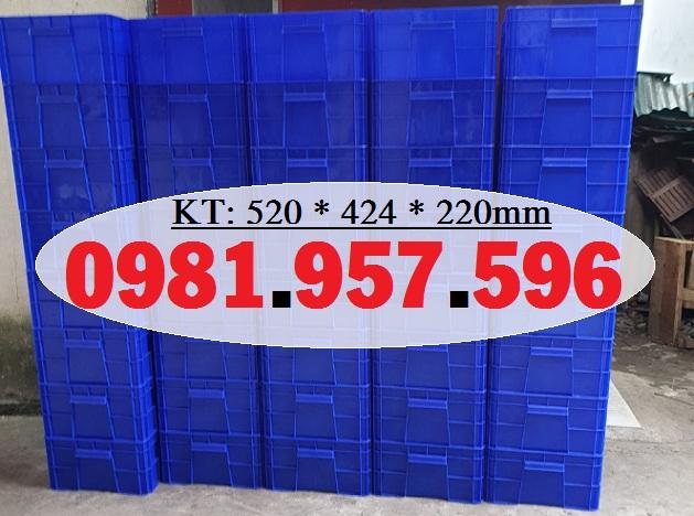 Hộp nhựa 40L có nắp, hộp công nghiệp có nắp