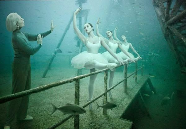 Fantasma de barco en las profundidades del mar