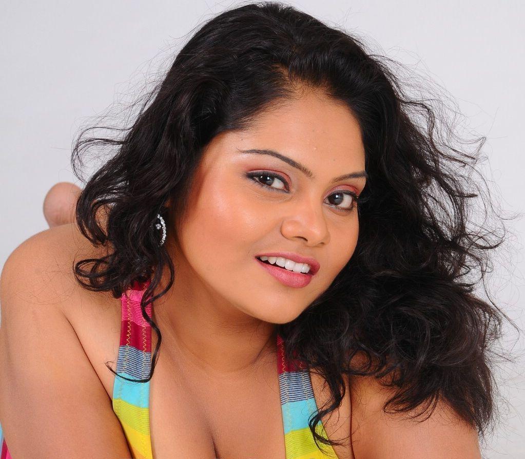 Rosa Indian Hot Chubby Actress Photoshoot  Actress And -7454