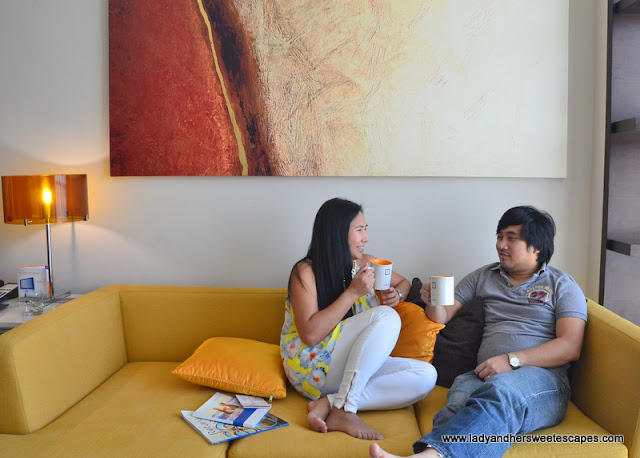 Ed and Lady in Centro Barsha