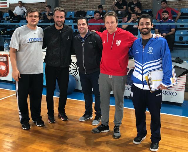 Espiga e Bruno Porto participaram de clínica de treinadores na Argentina [Divulgação/Flávio Espiga]