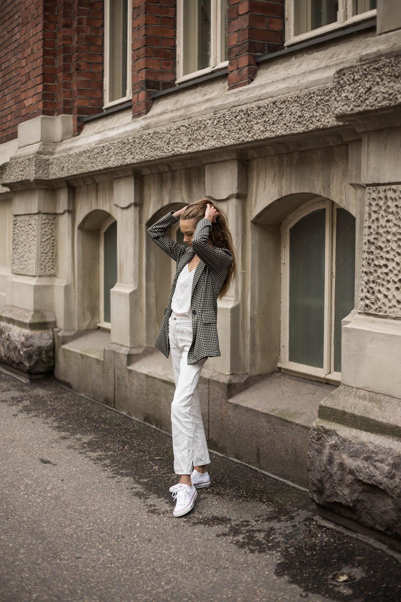 Kuinka pukeutua kokovalkoiseen // How to wear all white