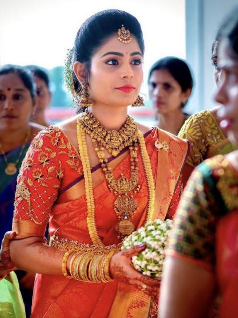 Bride in Long Kasulaperu Temple Jewellery
