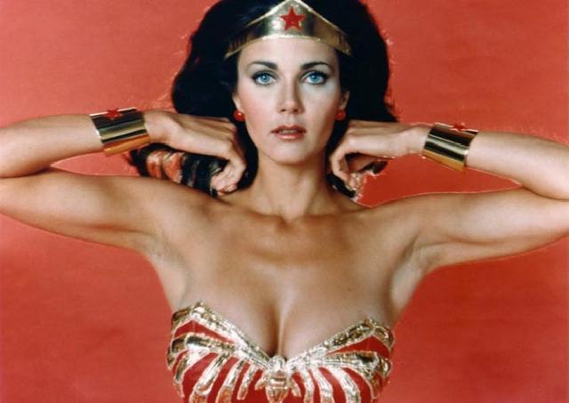 "Lynda Carter ""La Mujer Maravilla"""