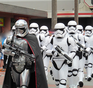 Captain Phasma leading her stormtroopers