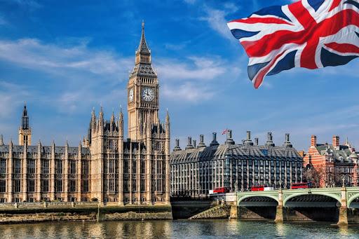 منحة دراسية كبيرة في المملكة المتحدة 2021 | 310 منحة
