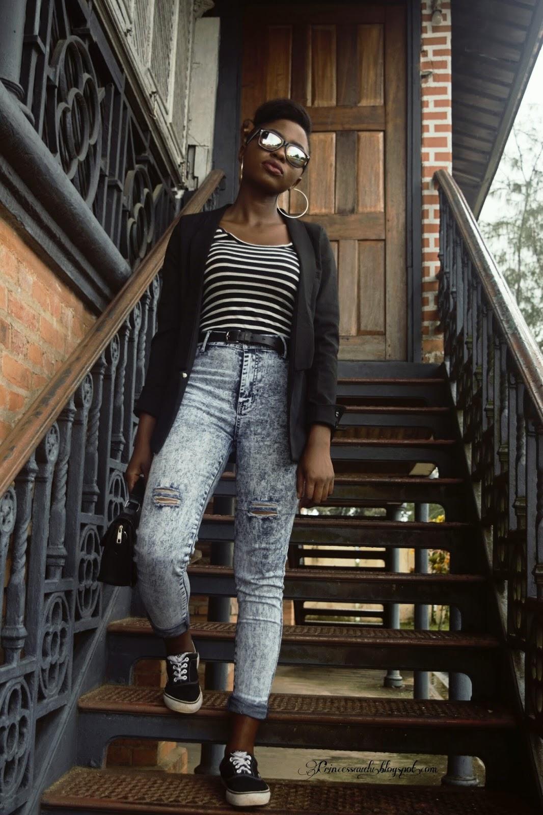 distressed denim jeans, high waist jeans, black blazer