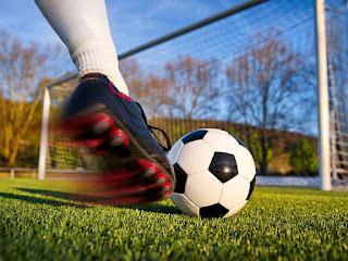 أهم 13 فوائد صحية مذهلة  من ممارسة كرة القدم Football