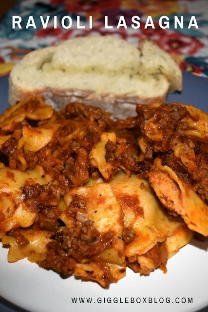 ravioli lasagna made in the crock pot, ravioli lasagna made in the slow cooker, raviioli, lasagna, pasta recipes, simple meals, ravioli lasagna, cooking with a crock pot or slow cooker, crock pot or slow cooker recipe,