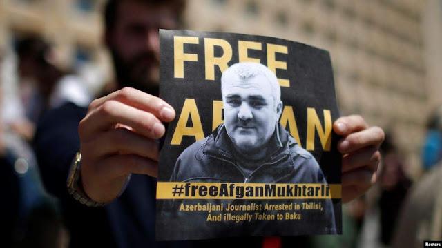 El Periodista azerbaiyano secuestrado de Tiflis fue liberado
