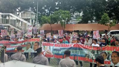 Kelompok Masyarakat Demo di KPK, Desak Investigasi Dugaan Korupsi Dana Kesehatan di Manggarai