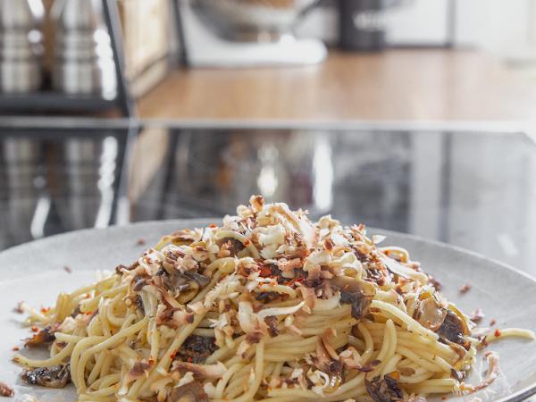 Pasta mit Trüffelöl und Pilzen