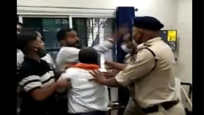 रायपुर में पुलिस स्टेशन के भीतर घुसकर हिन्दू संगठन के कार्यकर्ताओं ने एक पादरी को पीटा।