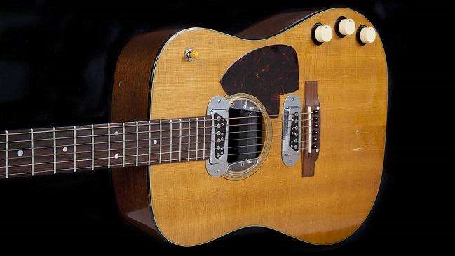 Violão usado por Kurt Cobain na gravação do MTV Unplugged do Nirvan/Reprodução