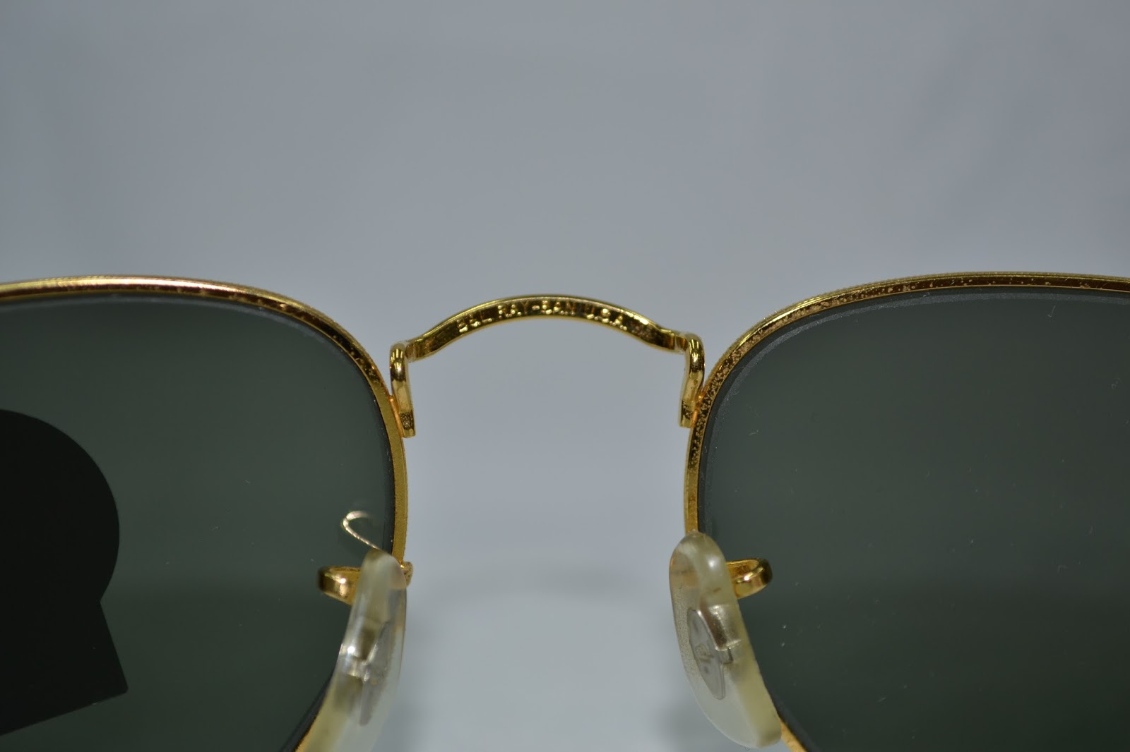 8eb504cc0b Wellcome you are looking at a Vintage Ray Ban sunglass made by Bausch and  Lomb in the USA early 90´s