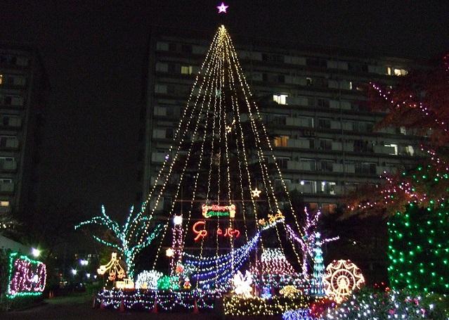 大きくて派手なクリスマスイルミネーション