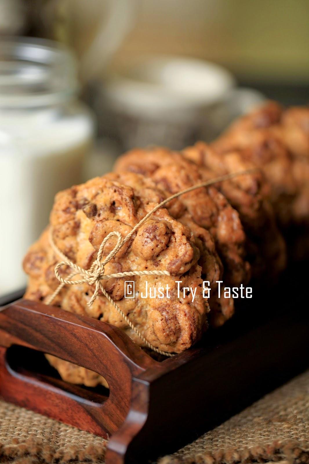 Giant Choco Crunch Cookies Cookies Favorit Rafif Dan Fatih Just Try Taste