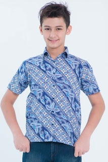 Model baju batik anak laki-laki masa kini