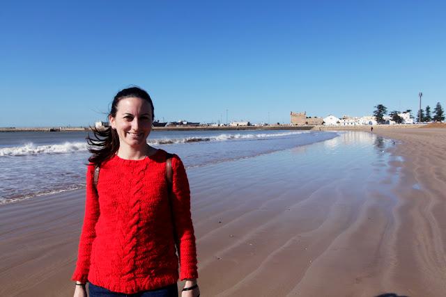 Lena en la playa de Essaouira