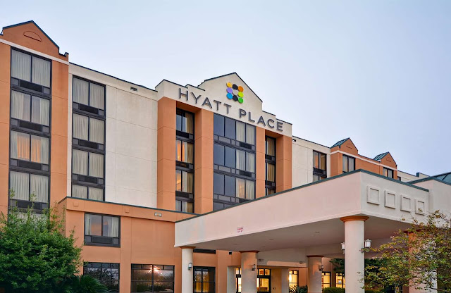 Enjoy an ideally located hotel with spacious accommodations, refreshing amenities and friendly service at Hyatt Place Baton Rouge/I-10.