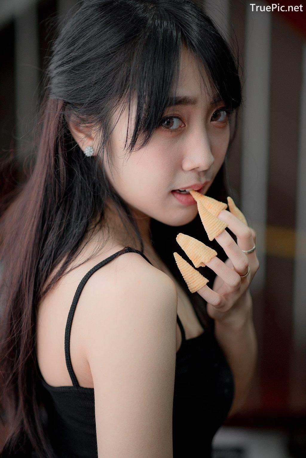 Image Thailand Model - Suneta Ngachalvy - Black Crop Top - TruePic.net - Picture-9