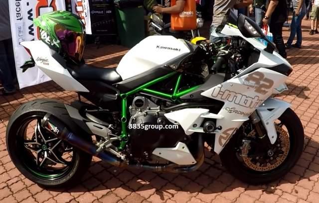 Modifikasi Ninja H2 Warna Putih Oleh Cardinals Racing Malaysia