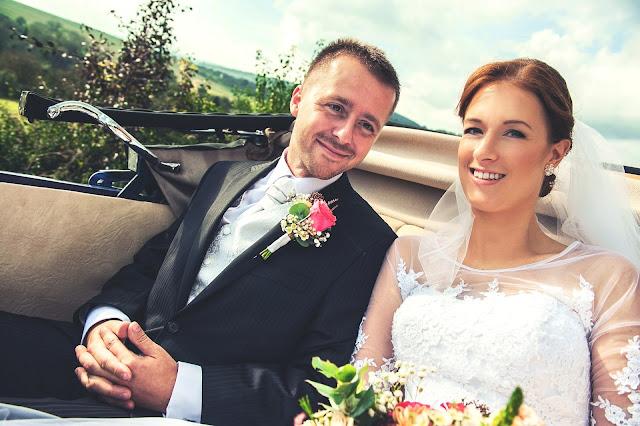auto, fotograf, vizazistka, veteran na svadbu