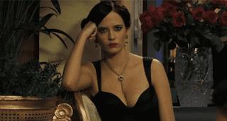 7 Gadis Seksi James Bond Paling Berkesan dalam Sejarah Film 007