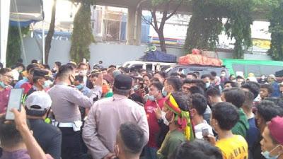 18-25 Juli Sektor Non-esensial Dilarang Nyeberang Merak-Lampung, Sejumlah Penumpang Protes