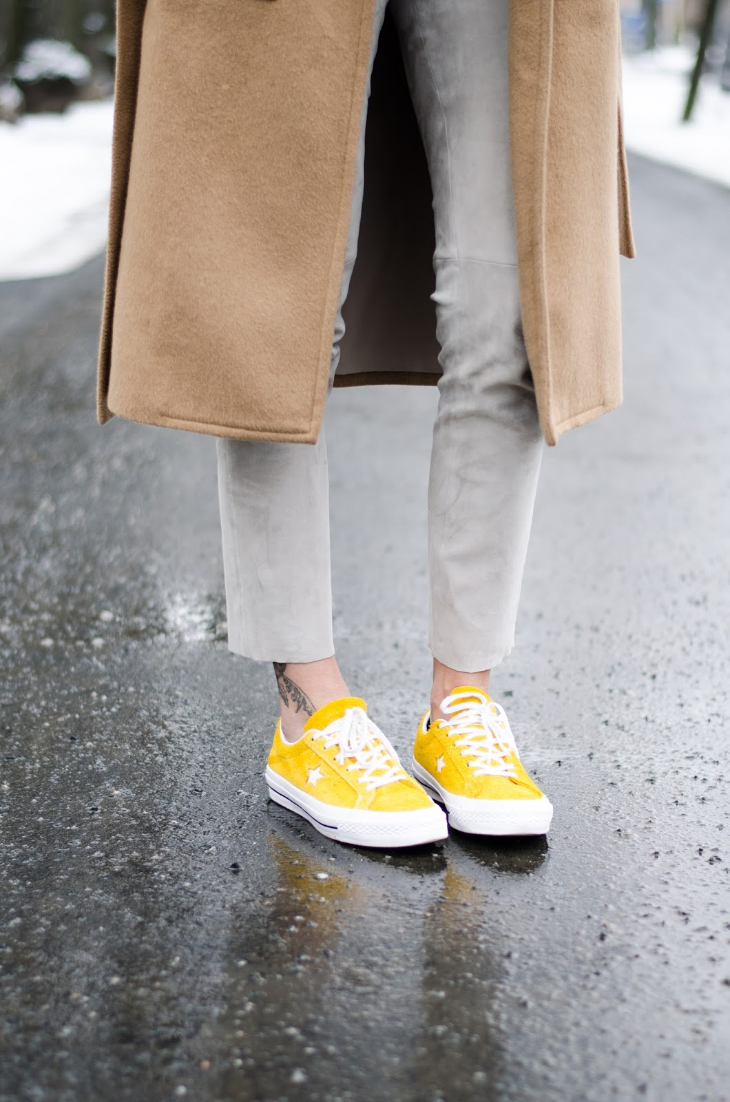yellow converse sneakers minimalist outfit