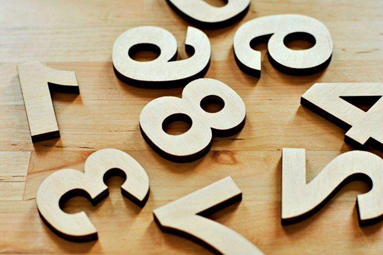 Arap rakamları köken olarak m.ö. 200'e dayanır, Hintliler bu rakamlara Brahmi derdi.
