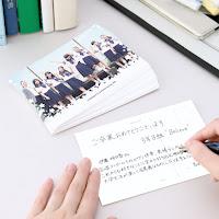 多忙な先生でもできる、卒業生へ「贈る言葉」を添えた写真入りメッセージカード