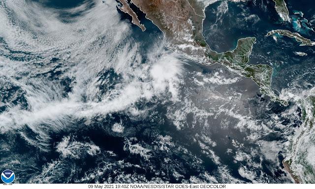 Se forma Andrés en el Pacífico