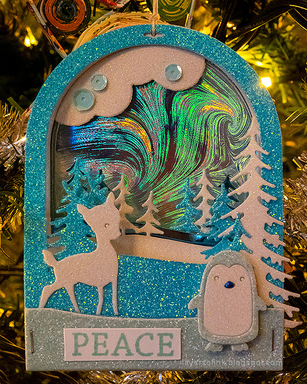 Layers of ink - Scenic Winter Ornaments Tutorial by Anna-Karin Evaldsson.