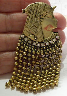 Egyptian king brooch with fringe