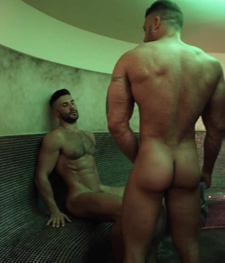 desnudos en el sauna