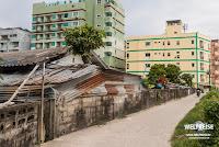 Straße in Patong, Phuket. WELTREISE Thailand.