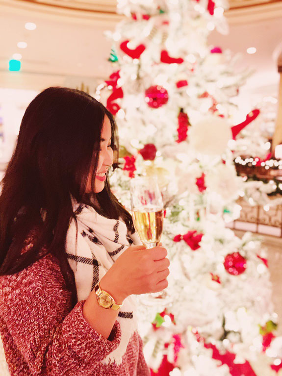 Christmas in San Francisco: Enjoy a holiday drink under the Christmas tree at the Fairmont Hotel