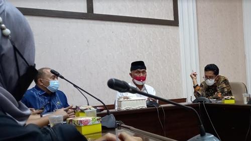 Undang Pimpinan Media, Gubernur Sumbar Ditanya Maunya Apa?
