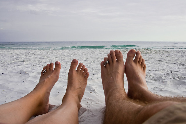 Tips on Renting Hotels in Indonesia for Honeymoon via Mobile Applications
