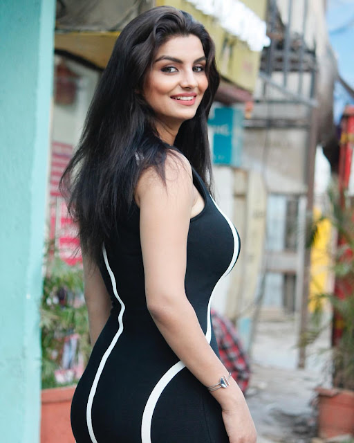 anveshi jain height